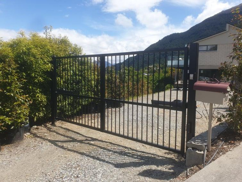 Automatic Gate in Queenstown manufactured by Otago Engineering