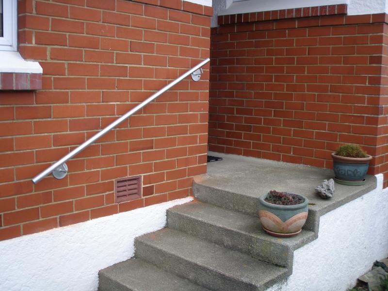 Galvanised pipe handrail by Otago Engineering