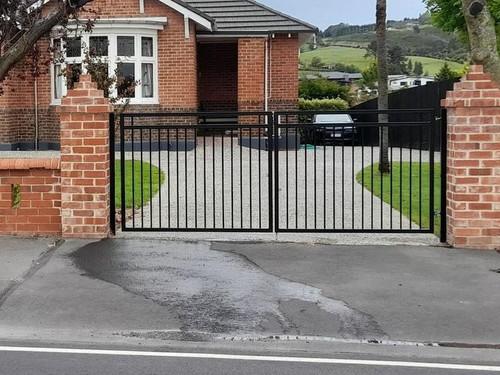 DG2 style gate by Otago Engineering