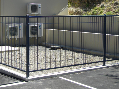 Modern security fence