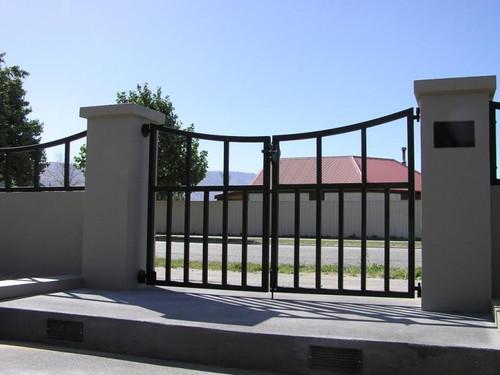 Scoop design gate Dunedin by Otago Engineering
