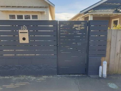Modern metal gate by Otago Engineering