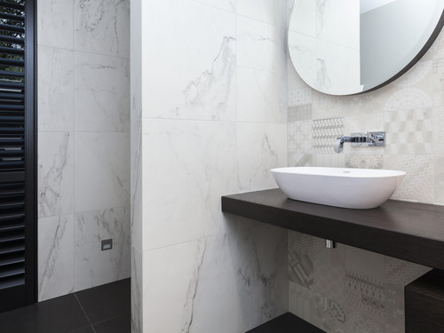 Further detailing of the bathroom