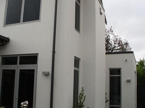 The exterior features integra panel with plaster finishing