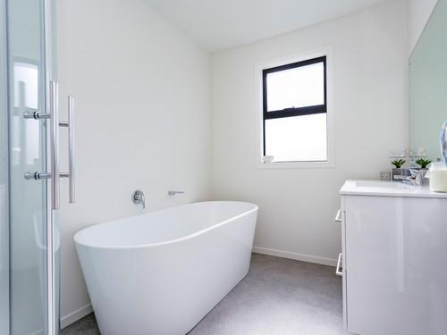Bathroom with a white minimalist finish