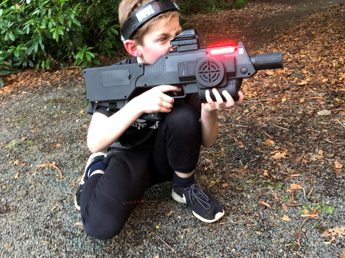 Taking a hit in Battle Combat lights up the gun red