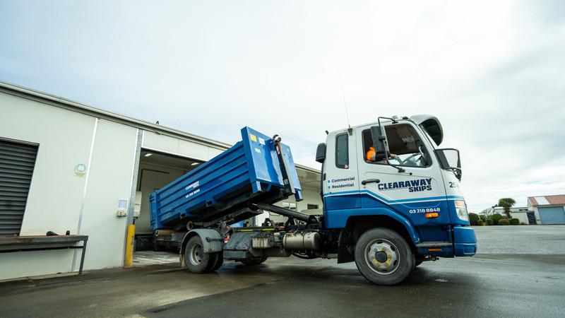Clearaway Skips Huka Truck