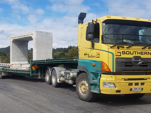Southern Transport Truck #83