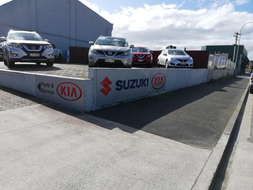 New Kia Sign for Balclutha Motors