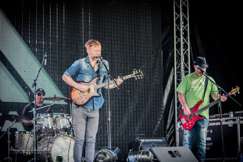 Support band - powerhouse trio Lachie Hayes and the Roof Raisers - photo by Element Photography NZ